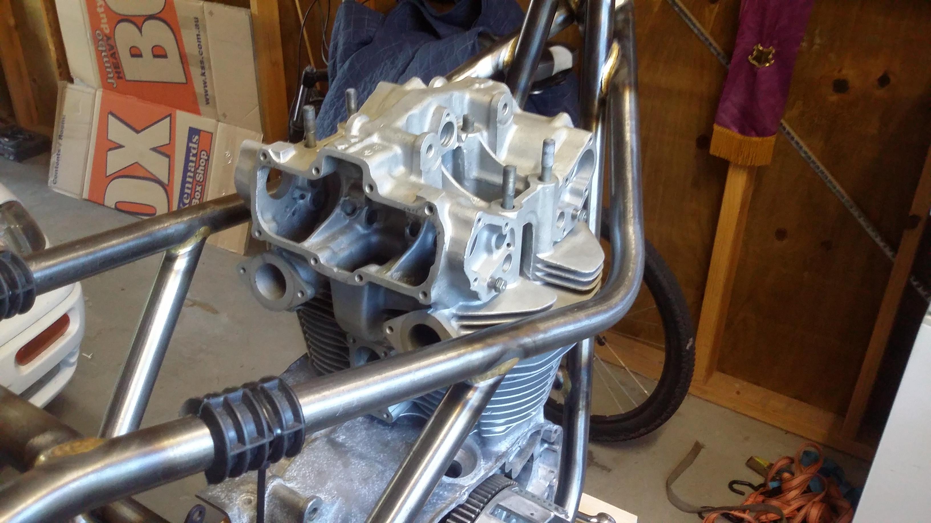 Drixton 500 twin build-20150322_163104.jpg