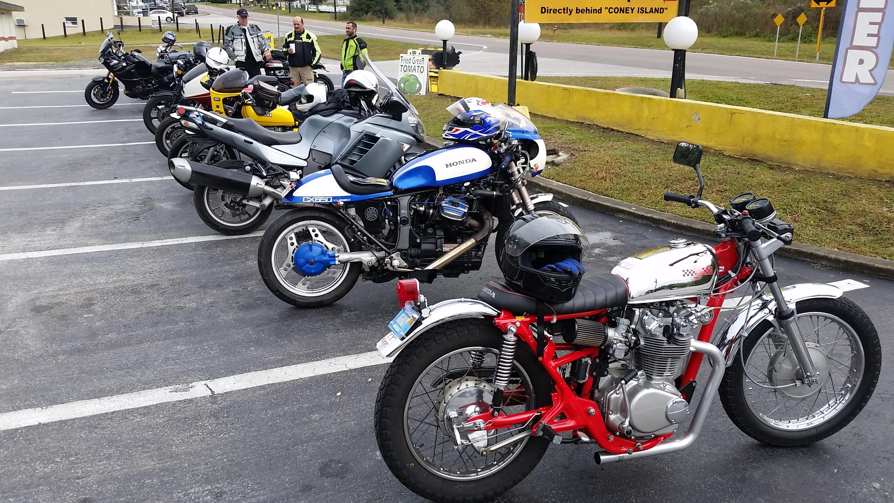 VJMC gathering before unoffical Christmas ride-20181216_095907.jpg