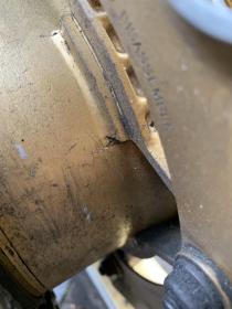 Crack om Comstar rear rim-b7ac9030-58d1-4dae-9295-6e9da809eeb5_1571055460608.jpg