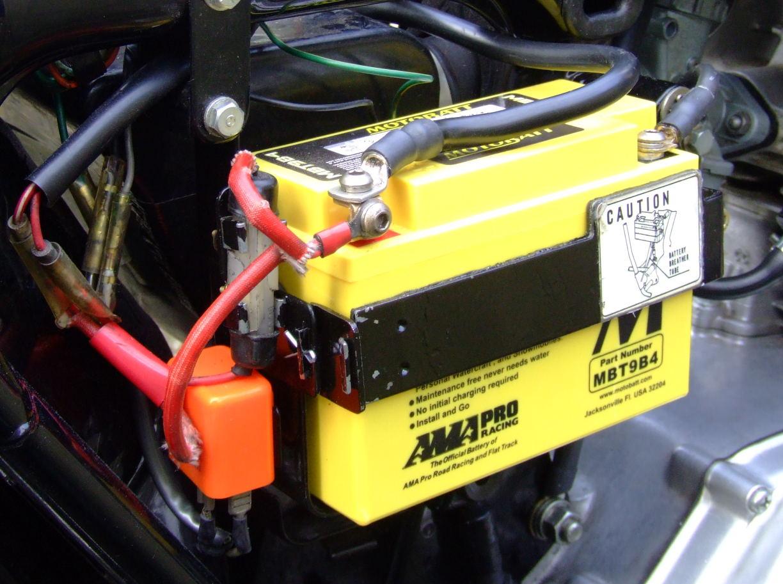 Fitting a starter motor to a UK CD175 ?-battery-2.jpg