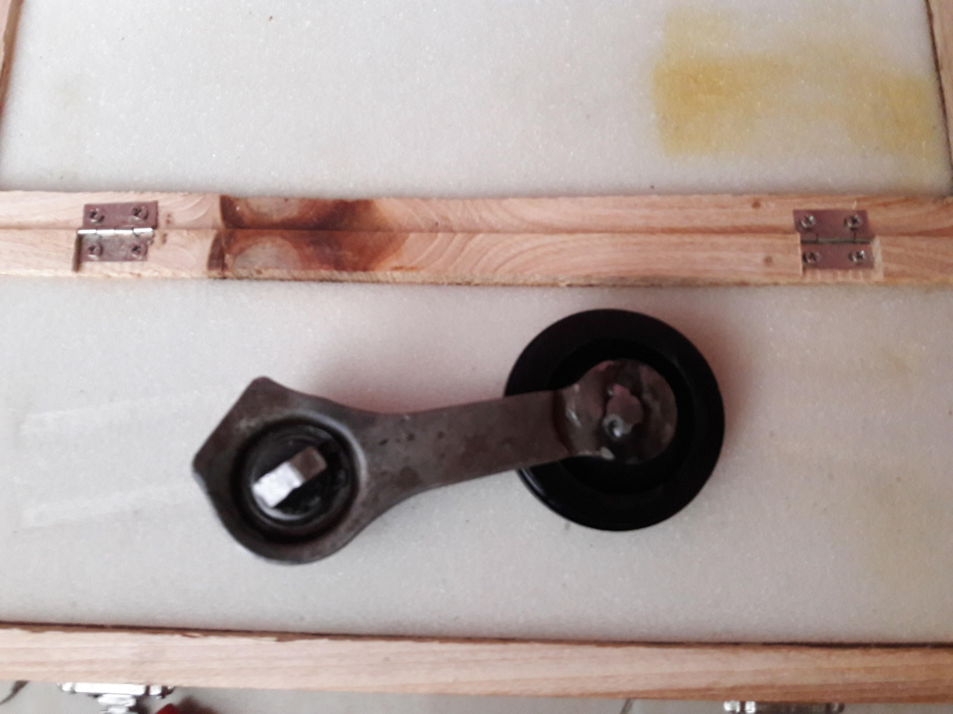 CB200 Cam Chain adjustment bolt misplaced!?-cb200-cam-chain-guide-cut.jpg
