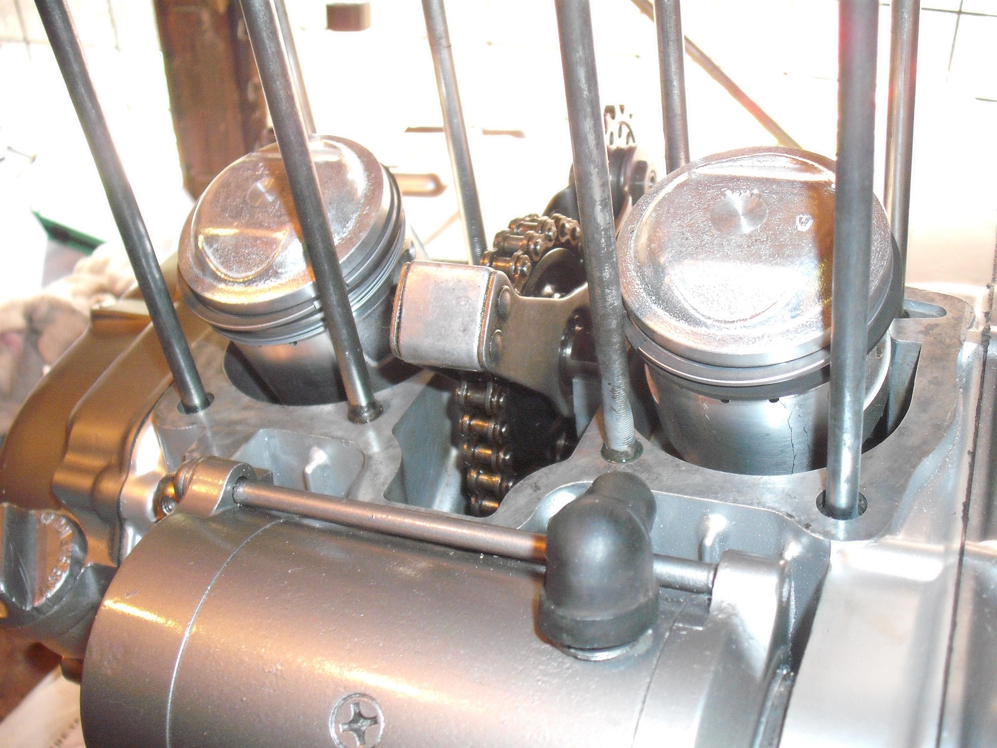 CB200 Cam Chain adjustment bolt misplaced!?-dscf2429.jpg