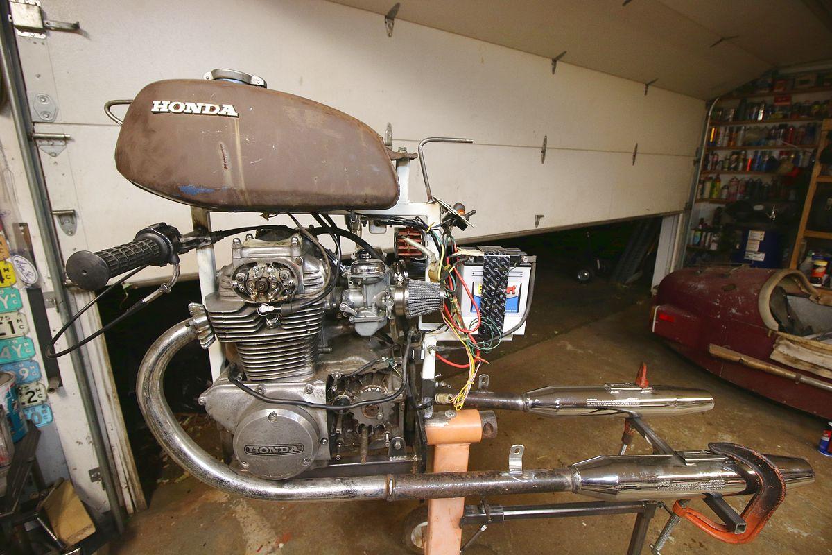 Engine test stand - CB350