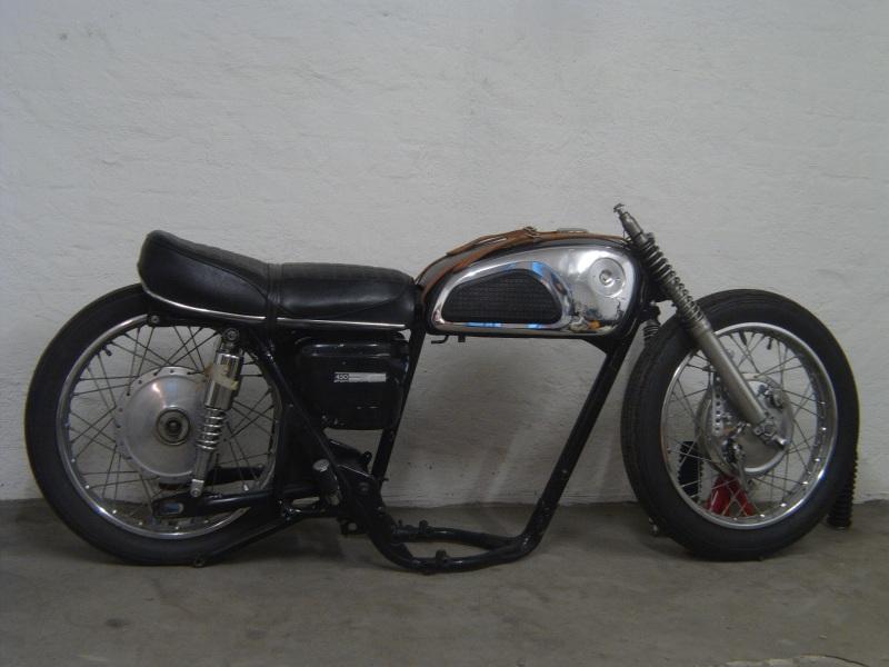 Project Brutus - 1966 CB600 K0 Black Bomber-file0635-800.jpg