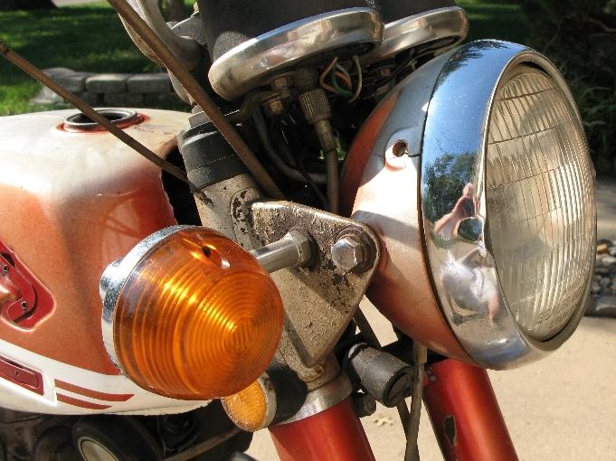 1971 CB175 (K5) - Rebuilding Miss Daisy-headlight.jpg