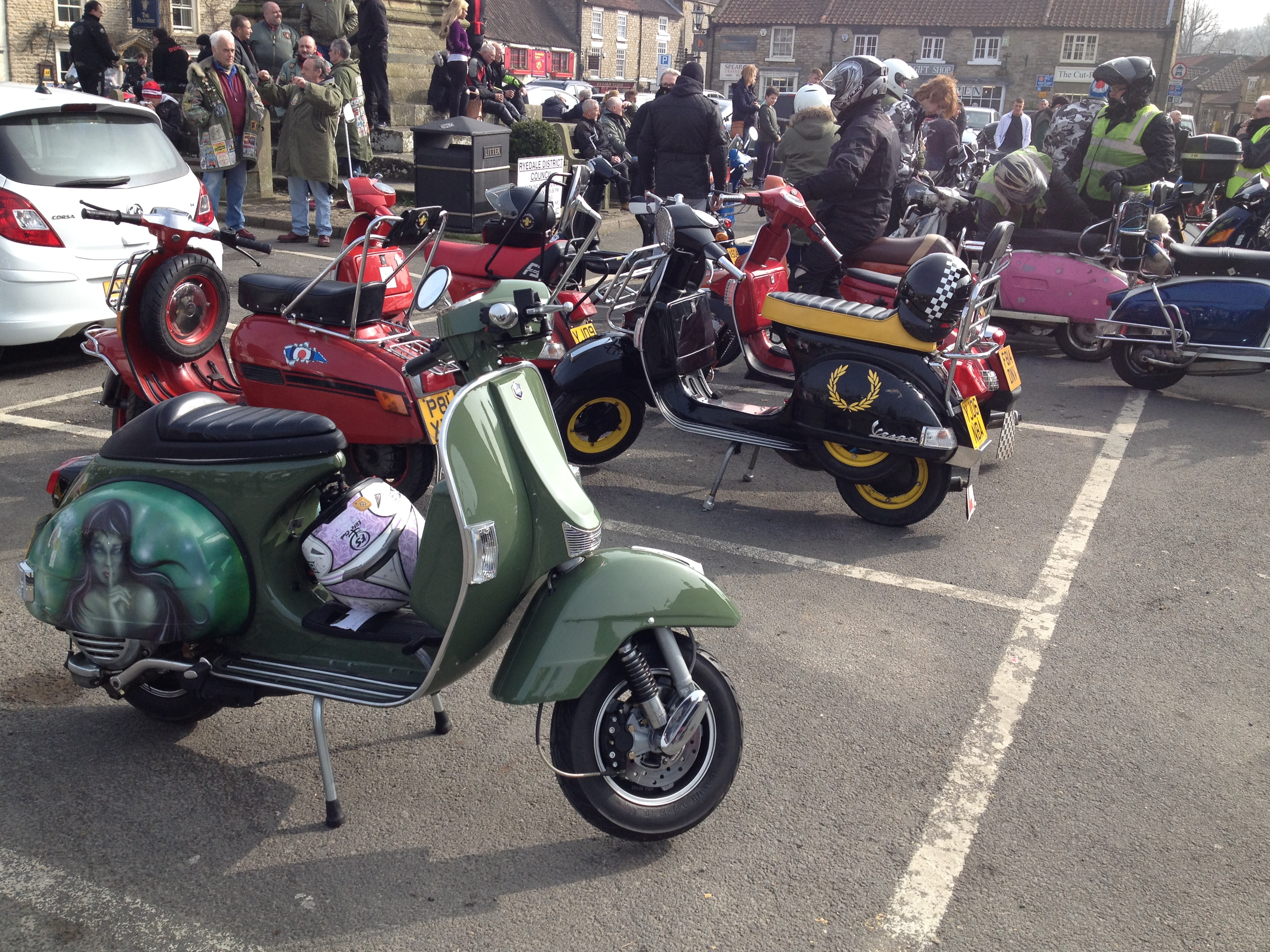 CB200 Olive is back on the road again-helmsley-ride-out-020.jpg