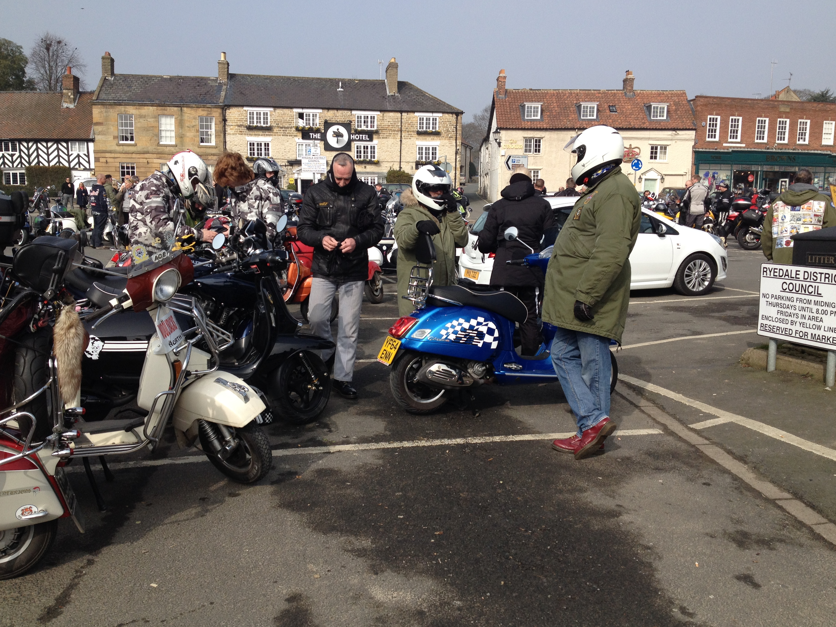 CB200 Olive is back on the road again-helmsley-ride-out-024.jpg