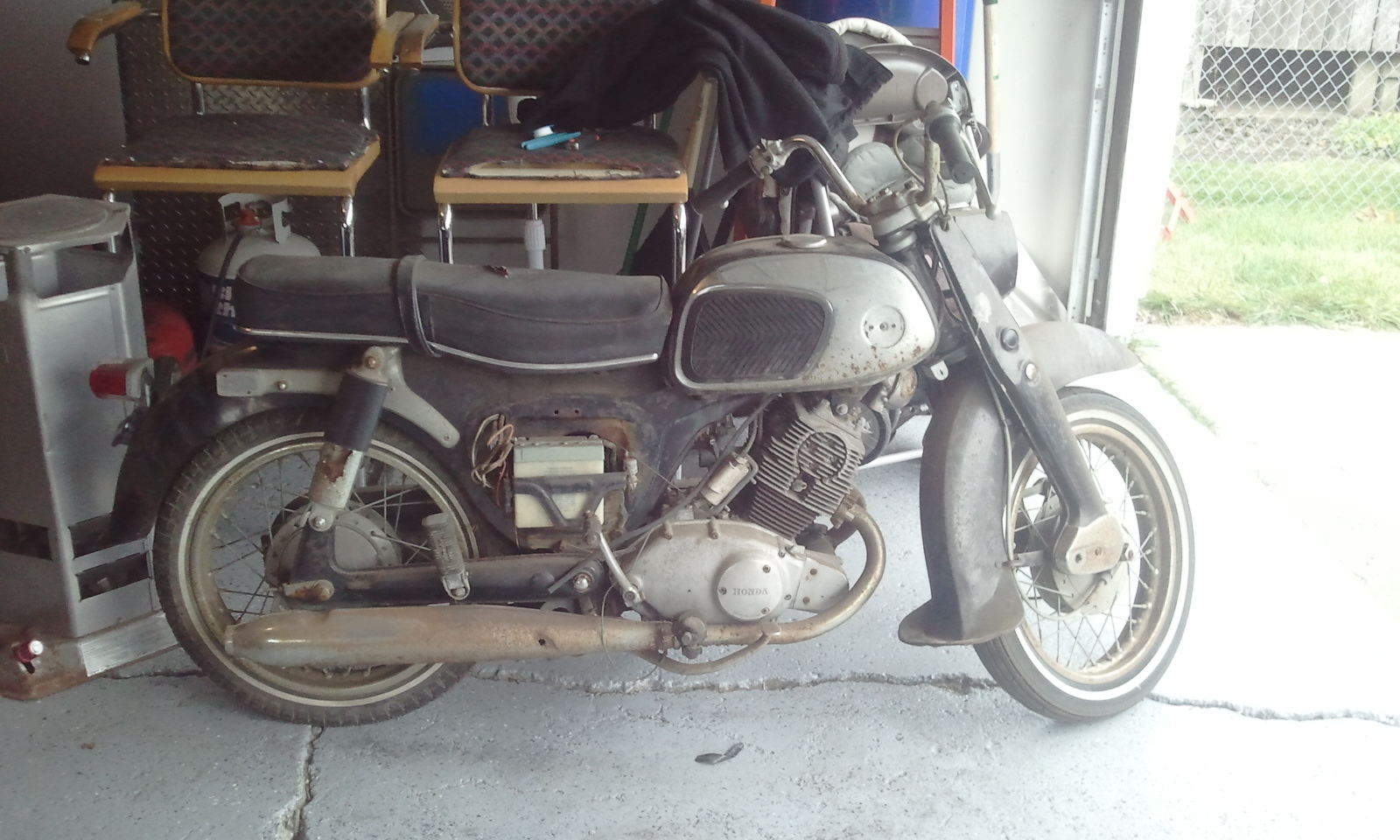 help what is this bike rh hondatwins net Honda CA95 Motorcycle Honda CA95 Parts