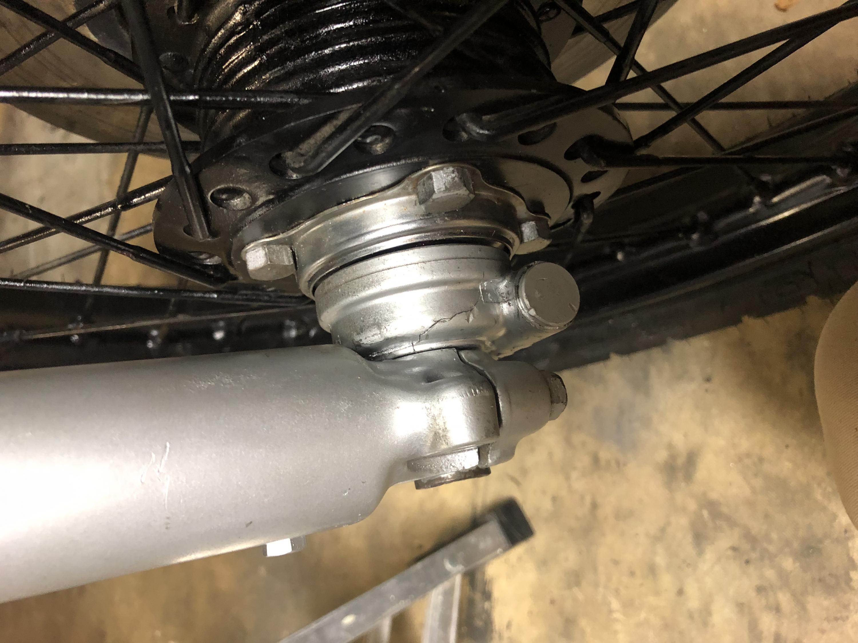 75 Honda CB360 Front Wheel wont fit-img_8870.jpg