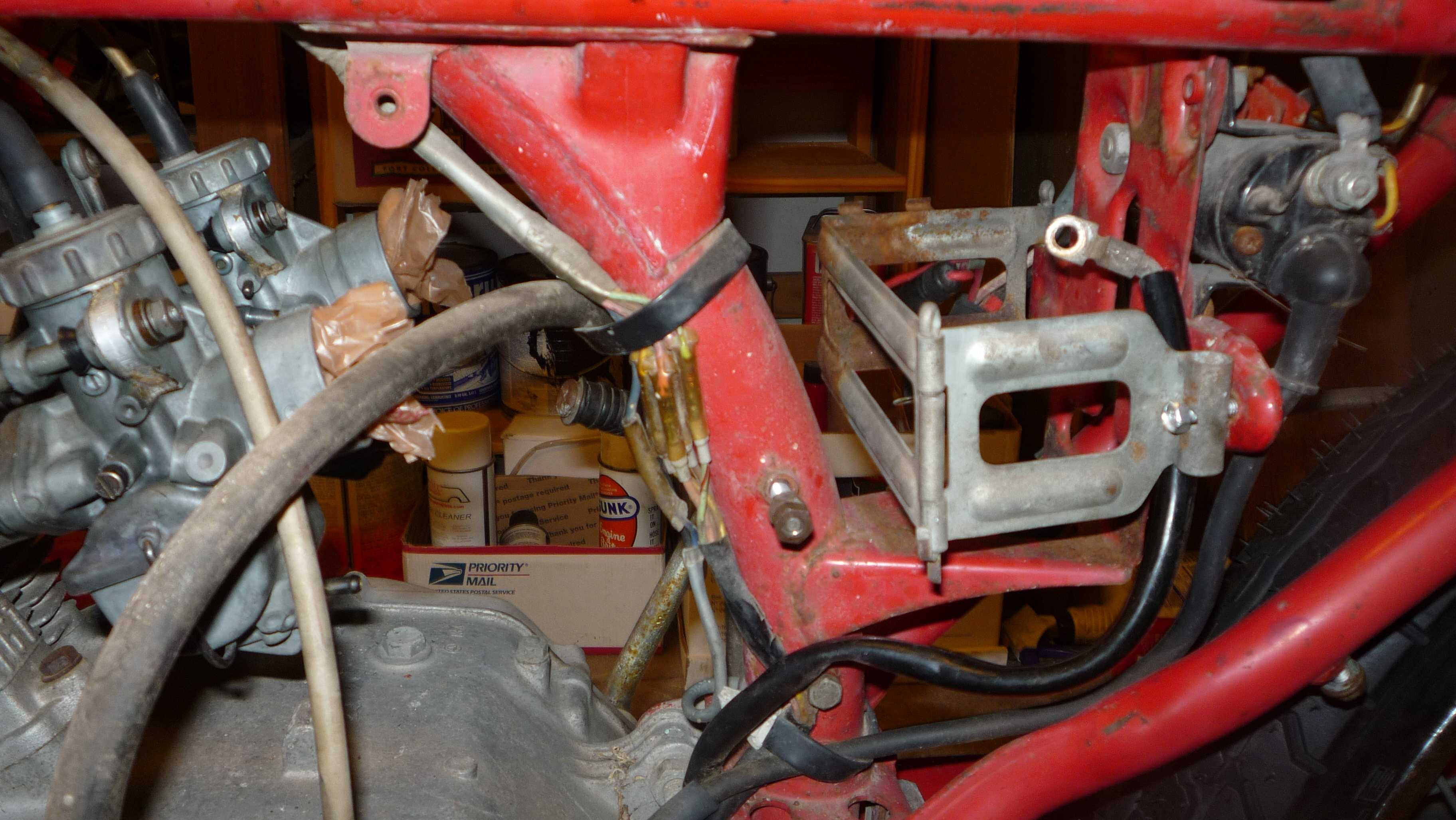 ... Building CB160's from bare frames need pics of harness  routi-p1000465.jpg