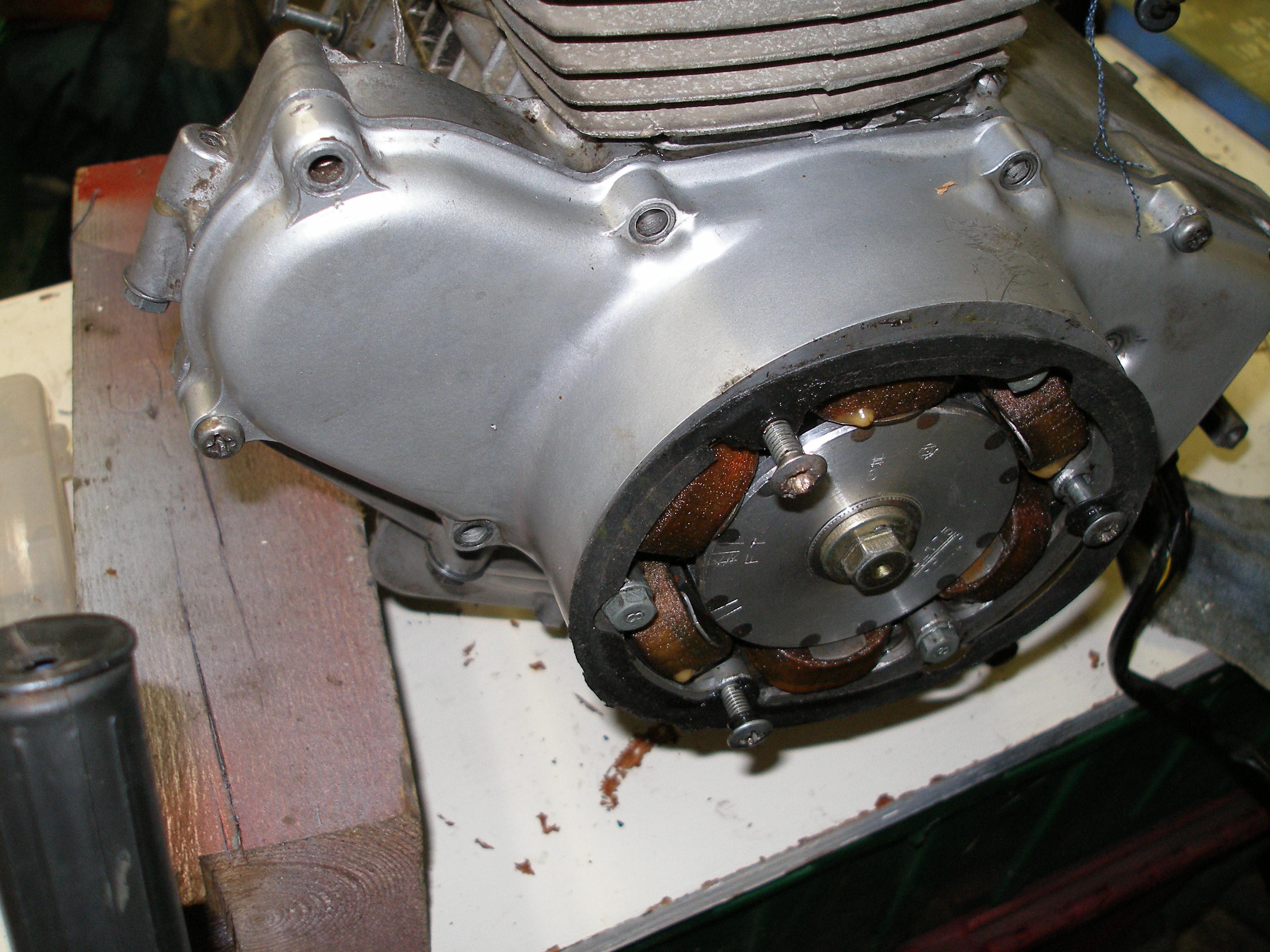 Fitting a starter motor to a UK CD175 ?-pa230003.jpg
