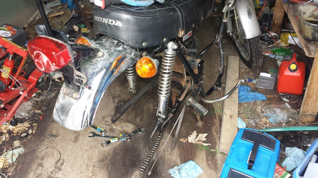 CL350 Rear Wheel removal-rearewheel2.jpg
