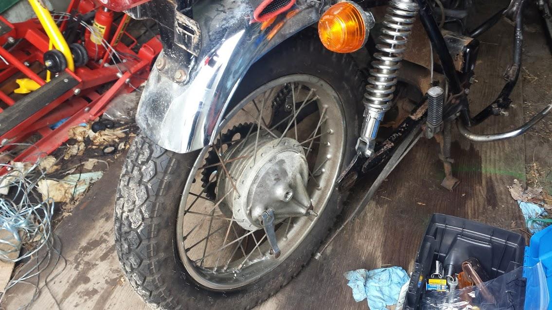CL350 Rear Wheel removal-rearwheel1.jpg