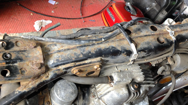 James Adams - My CB400N restoration-rusty-spine.jpg